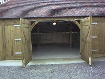 oak-barn.jpg (8172 bytes)